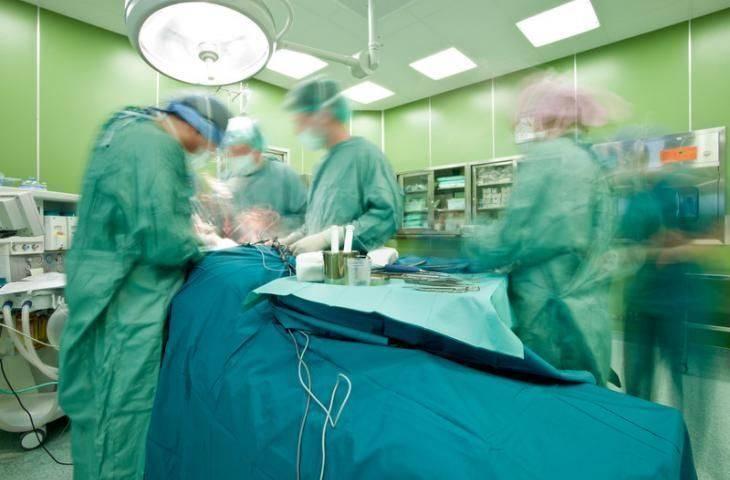 4. evre cilt kanseri malign melanomda ameliyat yaşam süresini uzatabilir mi?