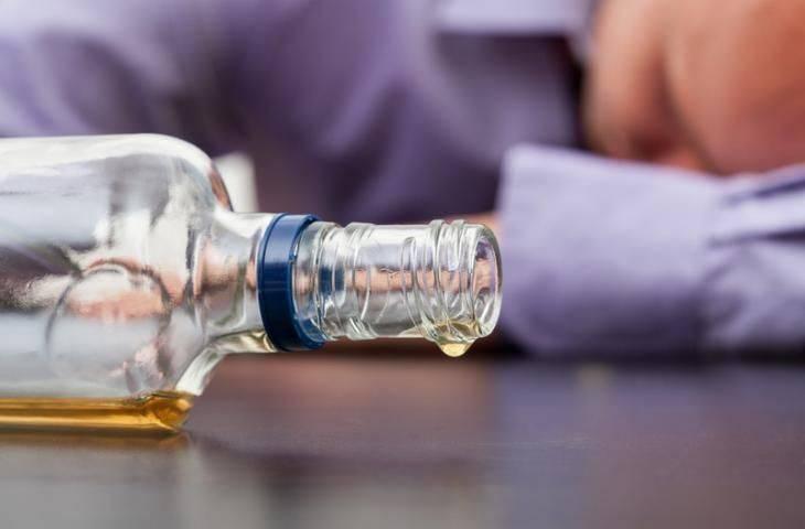 Alkol kullanımı cilt kanseri malign melanom riskini artırıyor