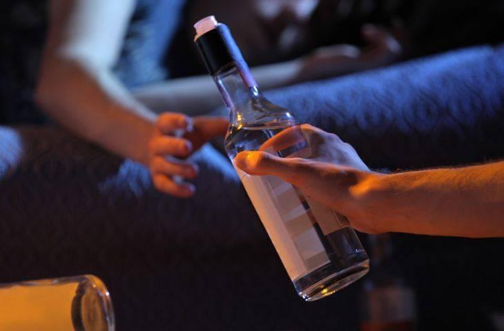 Beynin bağışıklık sistemi ile gece alkol isteği arasında bir bağ bulundu
