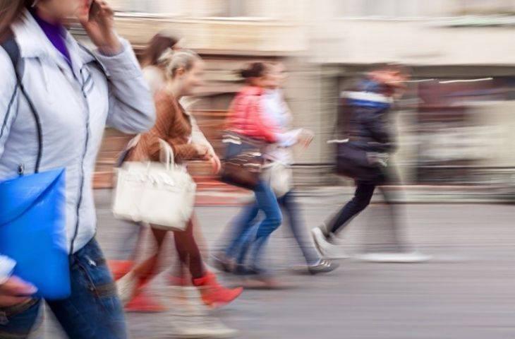 Düzenli egzersiz, hareketsiz yaşam tarzının getirdiği riskleri yeterince dengeler mi?