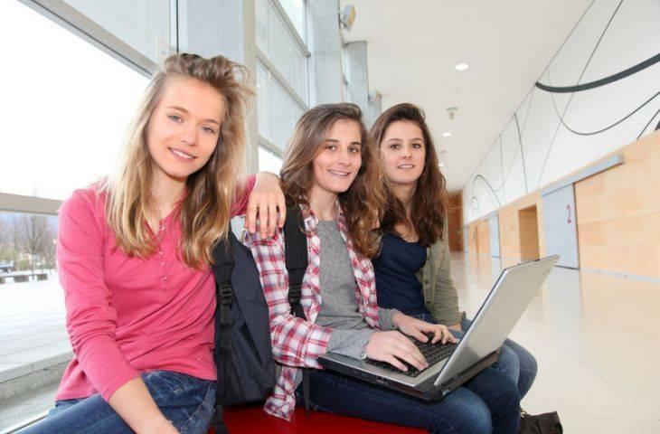 Genç kızlarda meme kanseri ve memede oluşan iyi huylu kitleler
