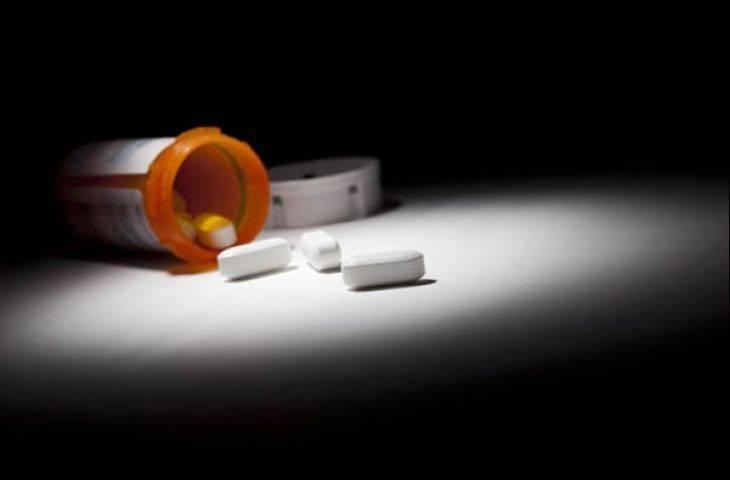 Hormona dirençli prostat kanserinde abirateron kemoterapi verilmeden uygulandığında etkili olur mu?