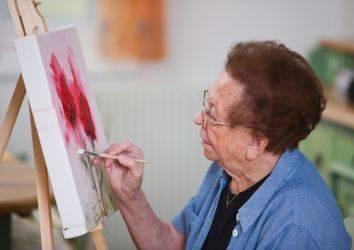 Kanserin ileri evresinde sanat terapisinin palyatif bakıma dikkat çekici katkısı