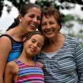 Meme kanseri tanısı almış anneler ve çocukları