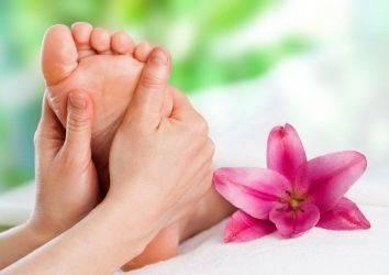 Refleksoloji masajı nedir? Tamamlayıcı ve alternatif tıp yöntemi olarak kanser hastalarında kullanılabilir mi?