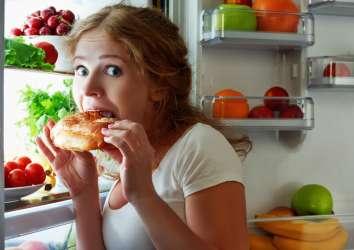 Gece geç saatlerde yemeyi durdurmanın 10 zekice yolu