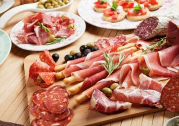 İşlenmiş etin kanserle ilişkisinin, içerdiği NİTRİT miktarına bağlı olduğu bulundu