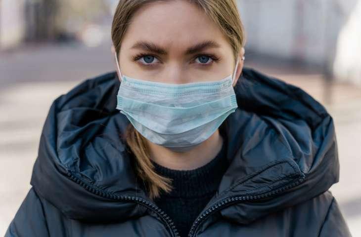 Günlük yaşantıda koronavirüse karşı herkes maske kullanmalı