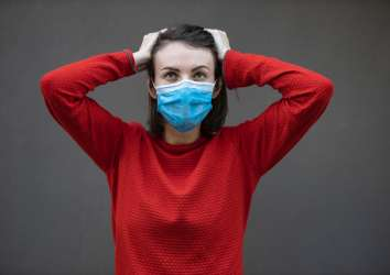 Maske kullanımı yeterli değil! Tedbiri elden bırakmamak şart!