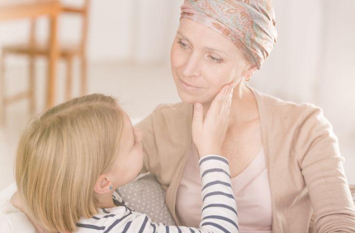 Radyoterapiye bağlı ağız yarasını görülmemiş düzeyde engelleyen bir ilaç