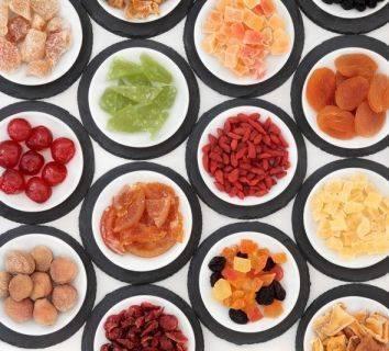 Sağlıklı atıştırmalıklar ve örnek bir ara öğün: Kuru meyveli enerji topları