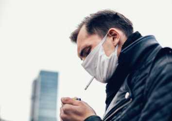 Toplam içilen sigara, COVID-19 nedeniyle hastaneye yatış ve yaşam kaybıyla ilişkili