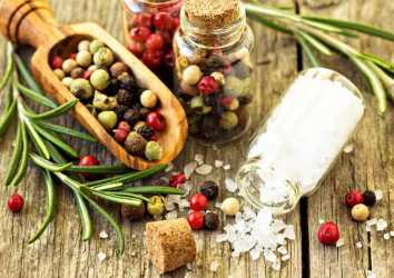 Tuz yerine kullanabileceğiniz 19 sağlıklı alternatif