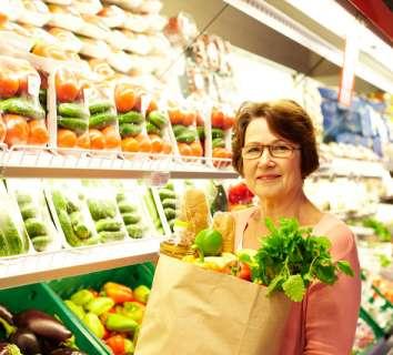 Yaşlılar nasıl beslenmeli?