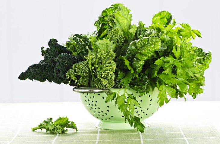 Yeşil yapraklı sebzeler, karaciğer yağlanmasını nasıl azaltır?