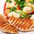 İftar sofraları için sağlıklı bir yemek tarifi: yoğurt ve baharatlarla marine tavuk